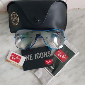 Ray-Ban Sunglasses 3211 Rare Blue NWT